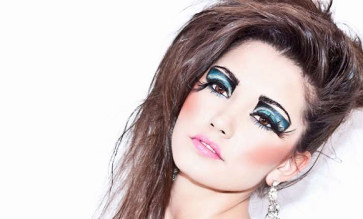 how to apply makeup niti luthra doles out tip