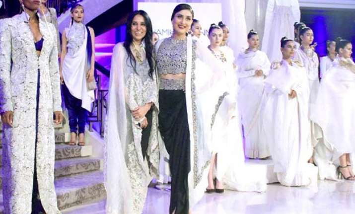 lakme fashion week 2015 grand finale shifted at last moment
