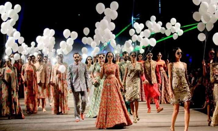 lakme fashion week 2015 sabyasachi mukherjee s show