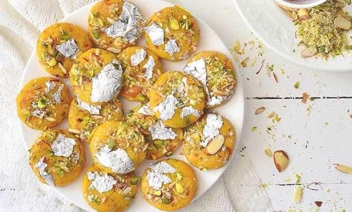 Kele ki barfi recipe in 6 easy steps indiatv news lifestyle news navratri special sweet kele ki barfi in 6 easy steps forumfinder Choice Image