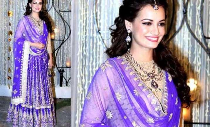 dia miza looks lovely in anita dongre purple lehenga at