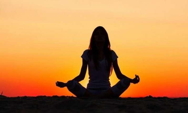 yoga gurus hail un move on yoga day