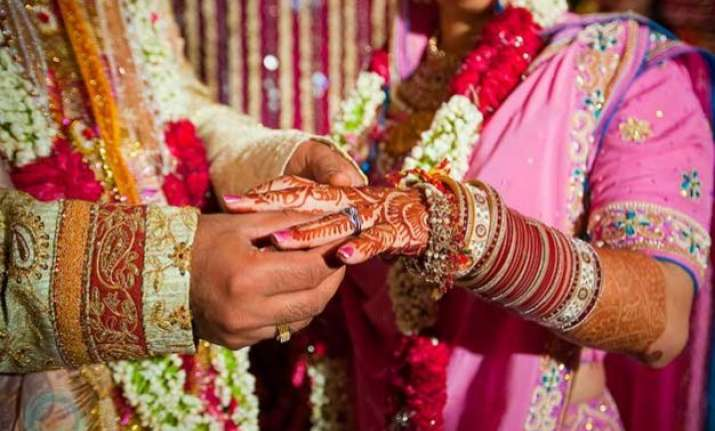 tying the knot after age 32 increases divorce risk