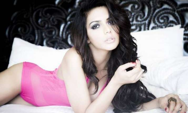 ruhi singh to be femina cover girl