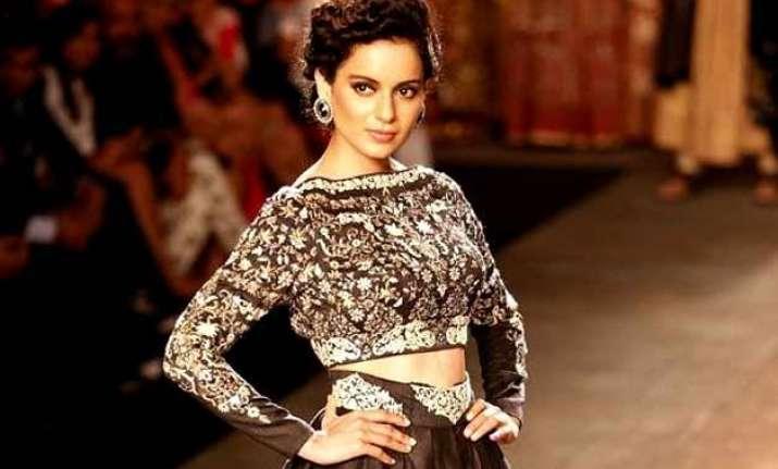 india couture week 2015 kangana ranaut to walk for manav