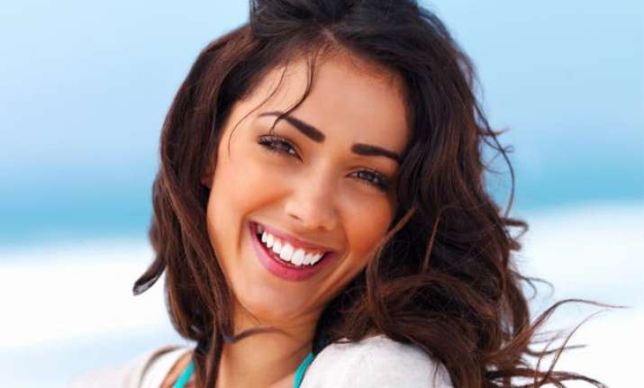 easy home remedies to get pearl white teeth