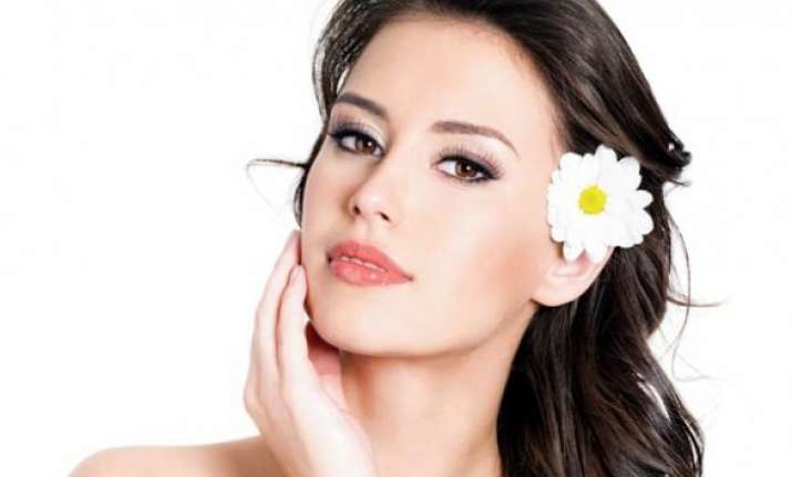 take care of your skin during monsoon