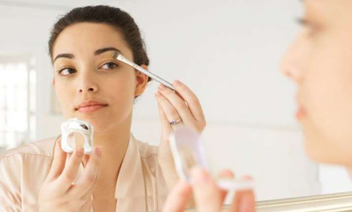 easy tips for smudge free makeup