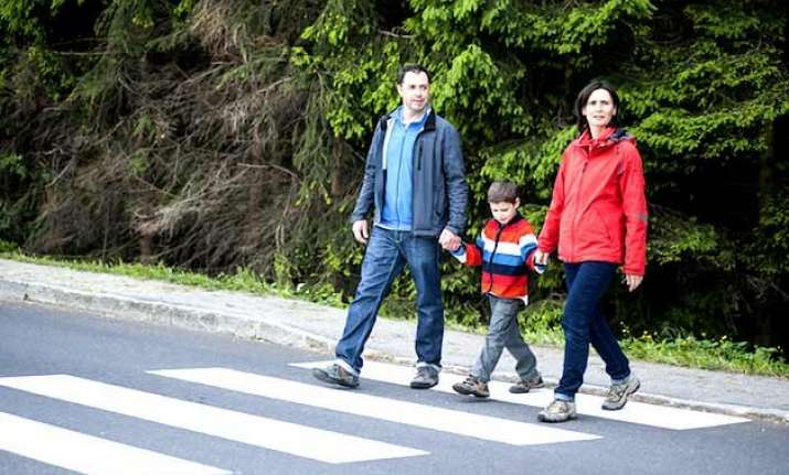 parents disregard child road safety guidelines
