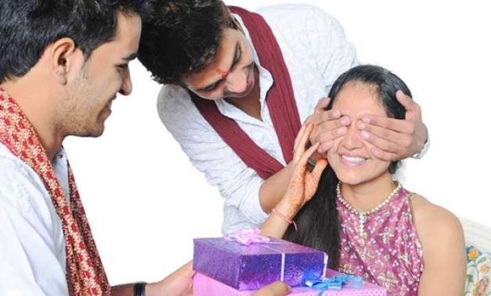 raksha bandhan special gifts that your sister will cherish