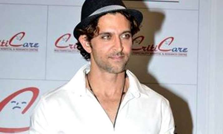 hrithik roshan inaugurates boutique hospital in mumbai
