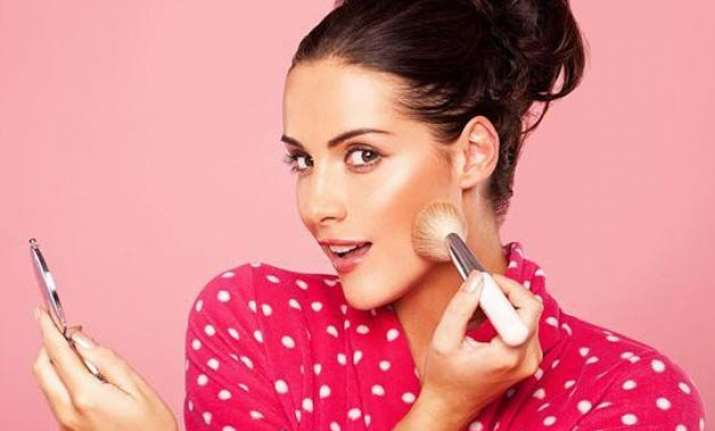 easy tips for lasting makeup in humid weather