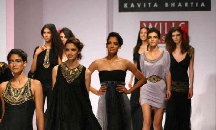 wifw 2014 kavita bhartia pays tribute to karigars