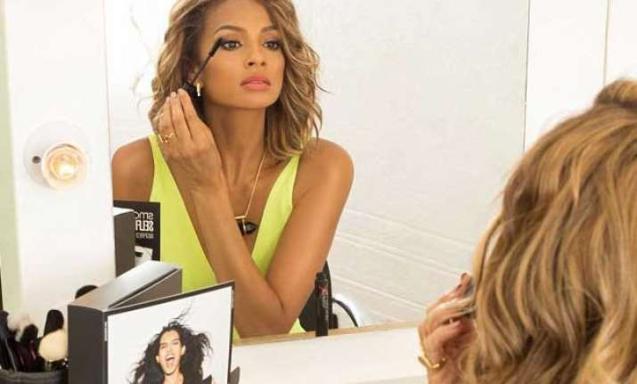 alesha dixon launches make up kit for selfies