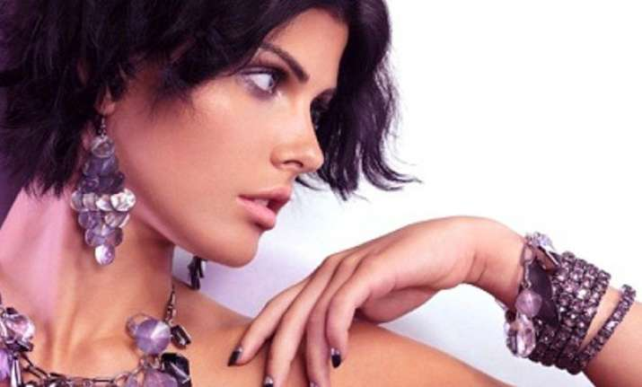 how to style yourself this monsoons with jewellery