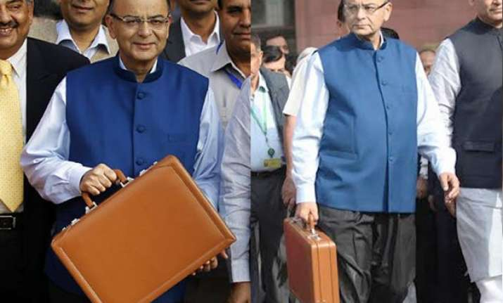 arun jaitley makes fashion statement with nehru jacket