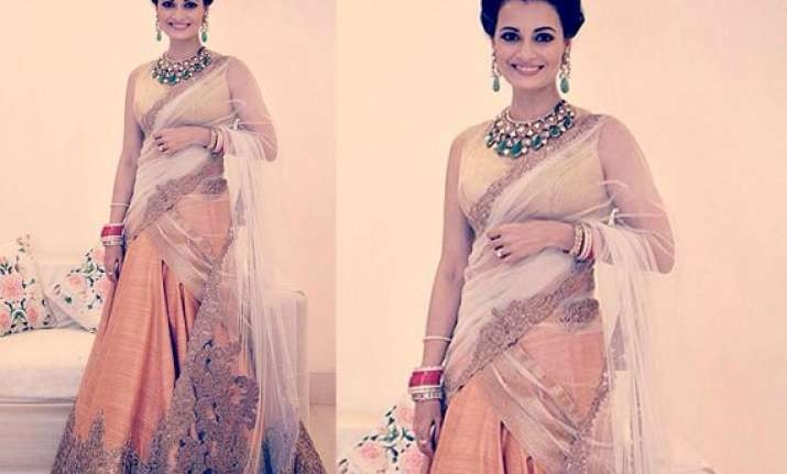dia miza looks elegant in shantanu nikhil lehenga at