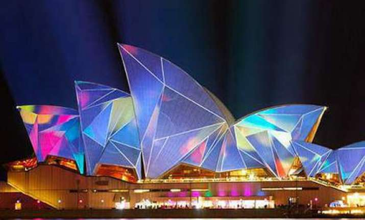 sydney opera house lights up for diwali