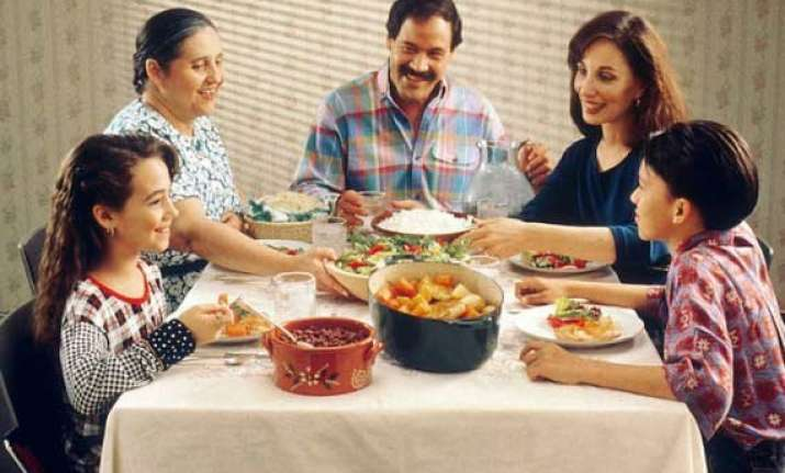 family meals protect kids from obesity