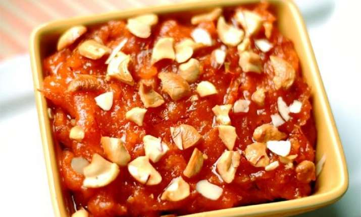 give a modern twist to traditional halwa with strawberry