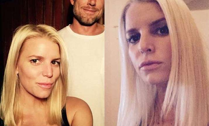 jessica simpson s new hairstyle selfie