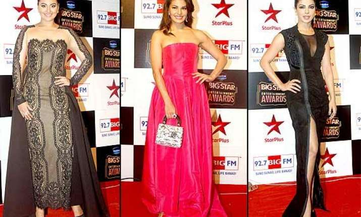big star entertainment awards 2014 priyanka sonakshi looks