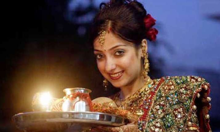 how to look glamorous this karva chauth view pics