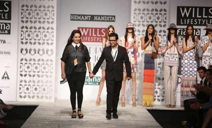 india fashion week hemant nandita bring gulmarg s rustic