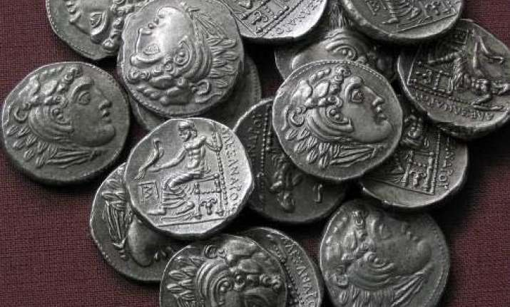 coins jewellery from alexander the great era found in israel