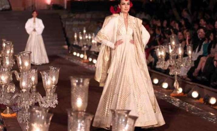 amazon india fashion week 2015 fdci locks dates for next