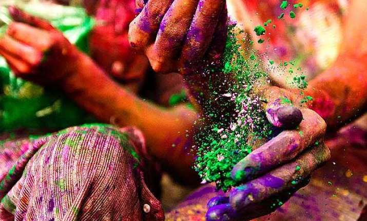 nail it on holi six easy tips to protect your nails from