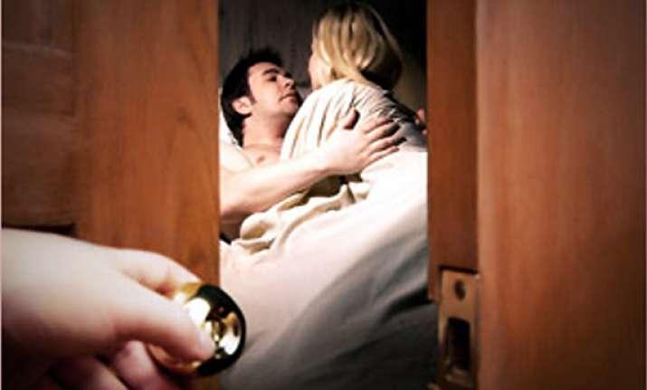infidelity easy to spot view pics