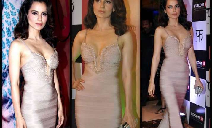 kangana ranaut gets back to plunging neckline with queen s