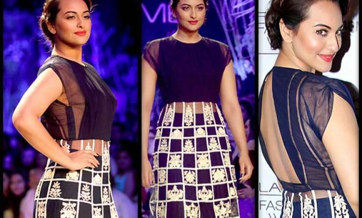 lakme fashion week 2014 sonakshi sinha turns showstopper