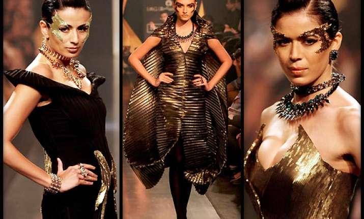 lakme fashion week 2014 gaurav gupta makes mystic debut