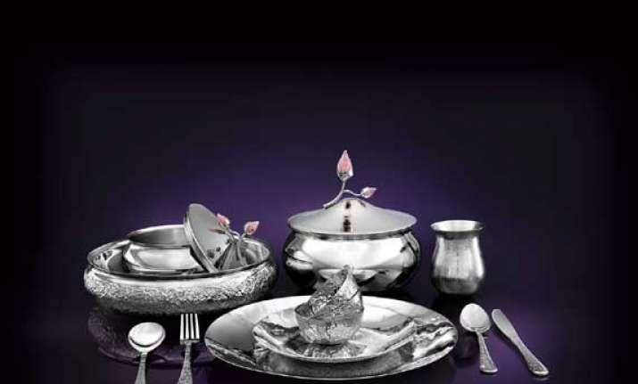 let your dinner set bloom