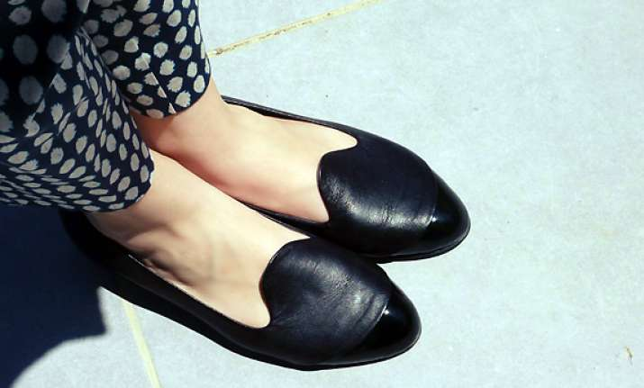 loafers minus socks lead to fungal foot infection
