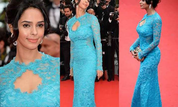 cannes 2014 mallika sherawat leaves the crowd stunned in
