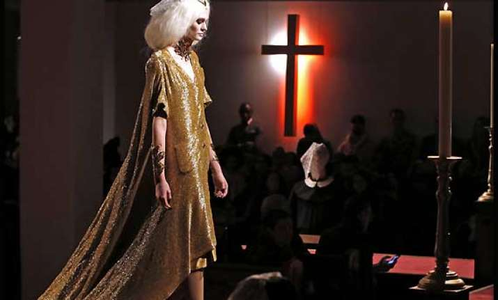 new york fashion week fashionistas worship at the church of