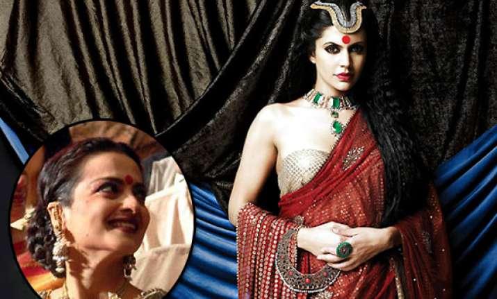 nobody looks better in a sari than rekha mandira bedi view