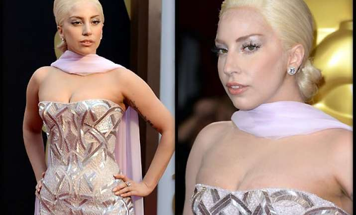 oscars 2014 lady gaga sports indian style at red carpet