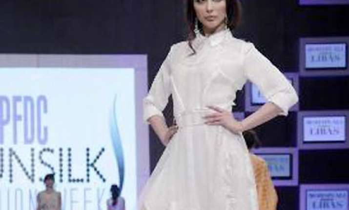 pakistan fashion week 2014 when rajasthani flavour added