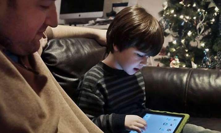 parental advisory build trust with kids on internet use see