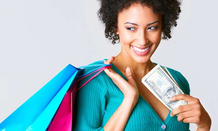 shop alone to spend less