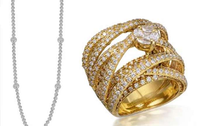 varuna d jani wows women with solitaire range