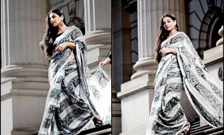 australian designer creates sari for vidya balan see pics