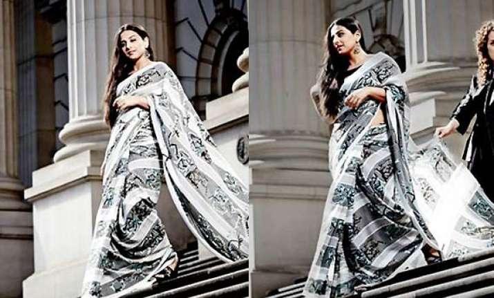 vidya balan looks stunning in susan dimasi s saree see