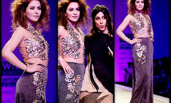 wifw aw 2014 ankita shorey turns showstopper for rina dhaka