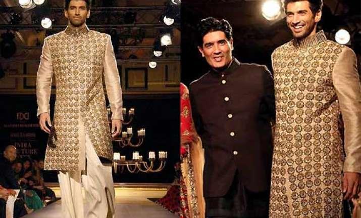 icw 2014 aditya roy kapur turns bollywood dulha for manish