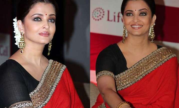 aishwarya rai bachchan shows off her mommy style in